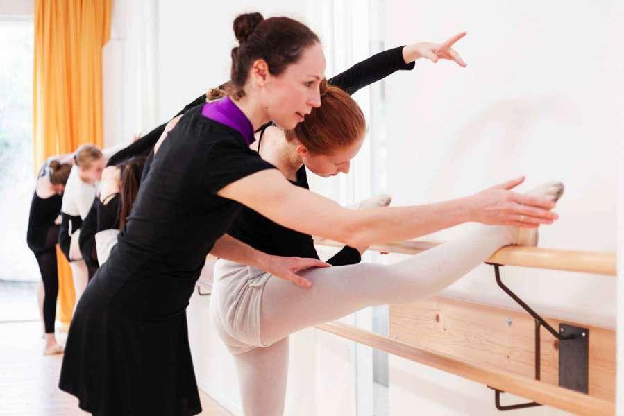 Ballettschule-Groenendyk-Karolin-Hippe-Ballett-Jugendliche